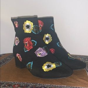 Floral print booties! Betsey Johnson